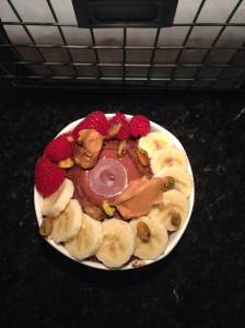I found some Justins peanut butter cups on clearance at Kroger, and I bought ALL of them. Oh my gosh, I recommend them so much! Anyway, Monday morning brought some rather simple vanilla zoats, topped with a banana, a peanut butter cup, some raspberries, some pistachios, and some of Justins honey peanut butter! So delicious and filling!